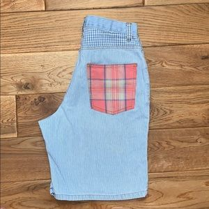 Vintage high waisted Arizona denim shorts. Size 9
